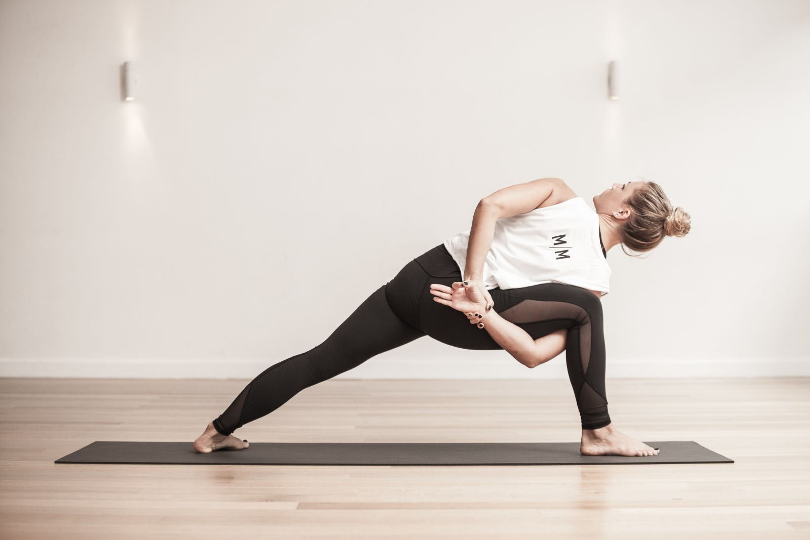 Five bad habits, making your yoga more and more difficult